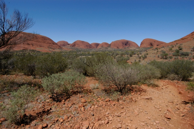 Looking into Kata Tjuta