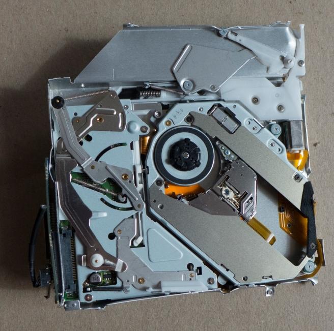Mac mini destruction_20150803_0009 copy