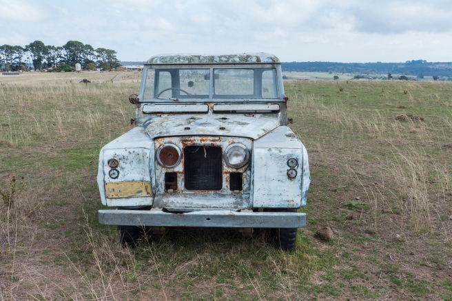 Landrover having a rest_20160328_0005 copy 4